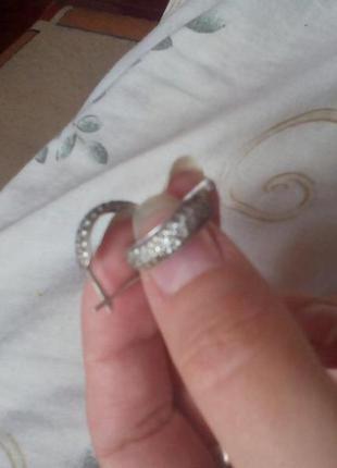 Серебряные сережки с камнями