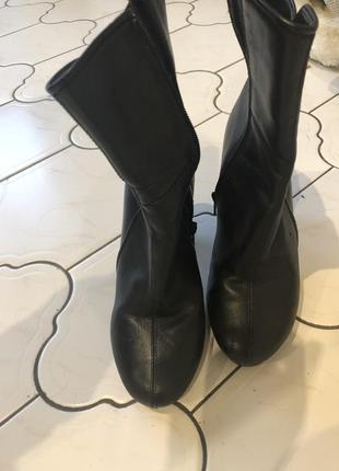 Чёрные полусапожки на каблуке3