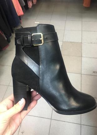 Ботинки на каблуке осенние