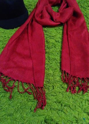 Вишневый шарф шаль