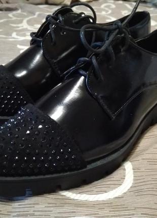 Классные ботинки ( туфли) лак 36-39