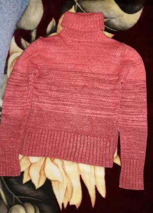 Яркий свитер теплый, шерстяной, дешево.