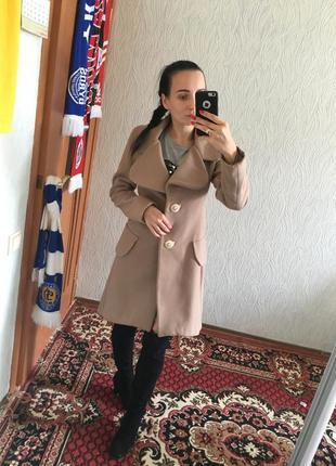 Демисезонное брендовое пальто rinascimento