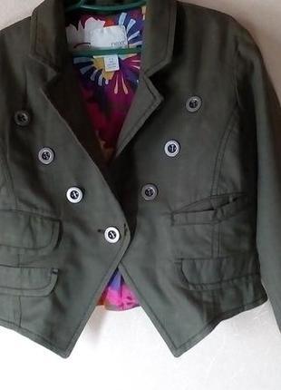 Пиджак для девочки 5-6 лет