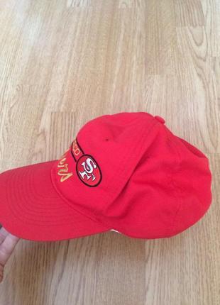 Фирменная мужская кепка sportstaff из натуральной ткани,красная бейсболка