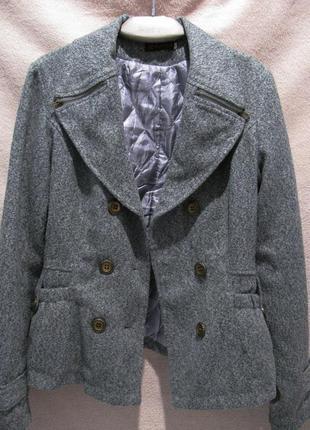 Стильний жакет, пальто.