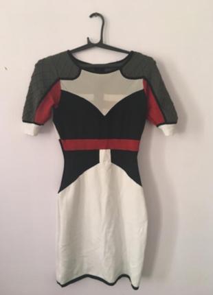 Неймовірна сукня в стилі balenciaga