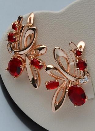 Серьги с красными кристаллами