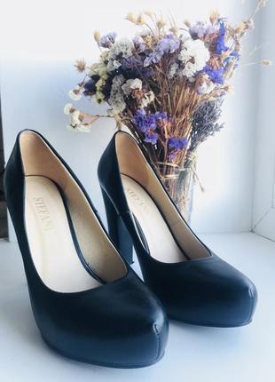 Туфли чёрные ,удобные ,базовые