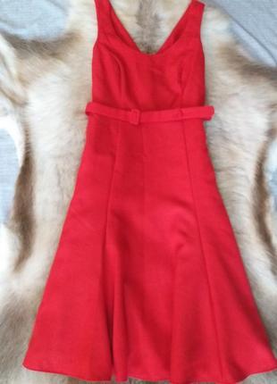 Стильне плаття міді червоного кольору