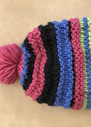 Тёплая разноцветная шапка