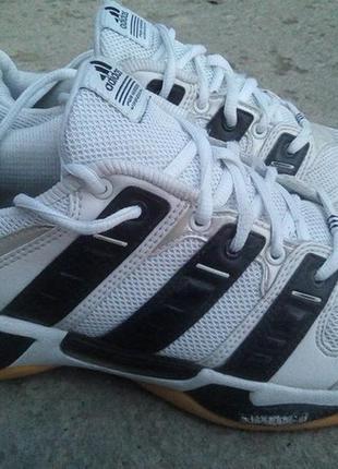 Кроссовки adidas для фитнеса, спортзала