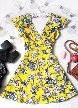 Трендовое платье в цветочный принт с завязками, красивая спинка, размер s/m, см.замеры