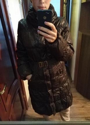 Стильное фирменное пальто для беременных