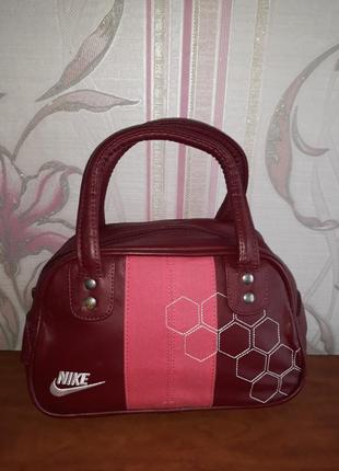 Шикарная бордовая с розовым сумка nike