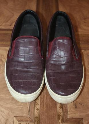 Туфли слипоны цвета марсала topshop