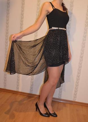 Короткое черное коктейльное вечернее платье