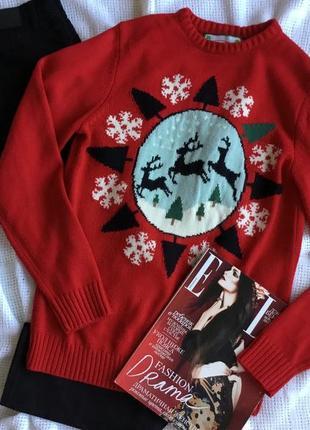 Новогодний свитер с оленями
