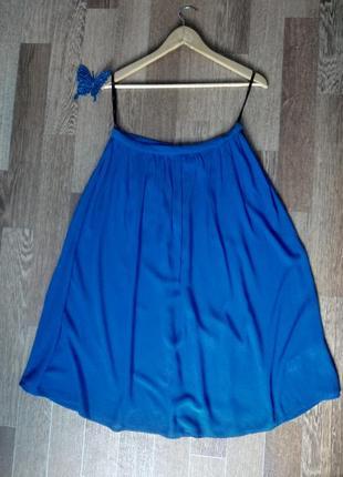 Легкая синя юбка миди