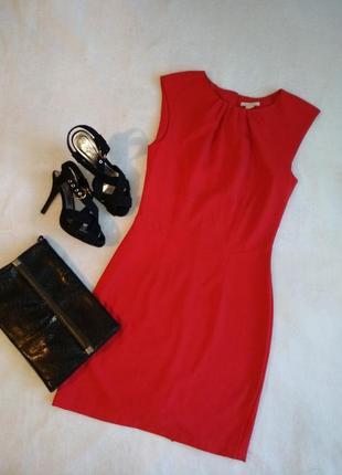 Яркое красное платье миди мини драпировка