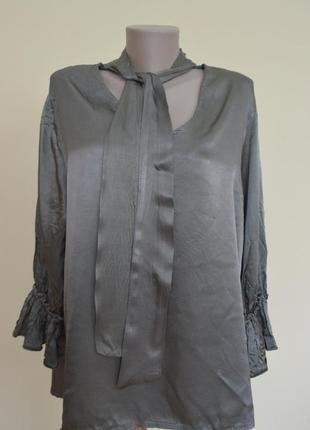 Нарядная итальянская блуза