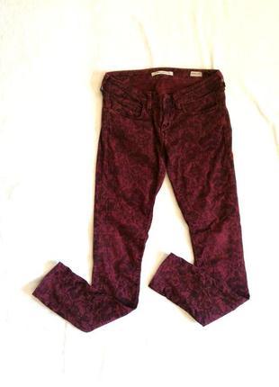 Брюки/джинсы/штаны/скинни бордо в обтяжку с узором
