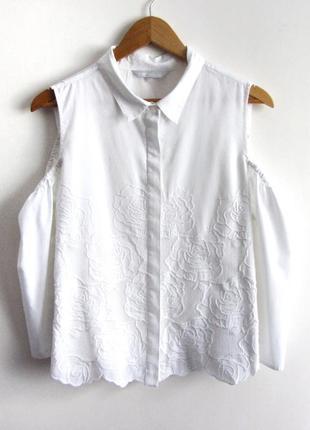 Невероятно красивая рубашка с открытыми плечиками и кружевом redhering