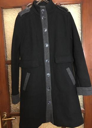 Демисезонное шерстяное пальто mango размер s-m.