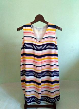 Актуальное полосатое платье свободного кроя