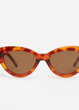 Трендовые очки mango cat eye