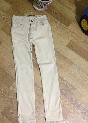 Світлі класичні джинсики