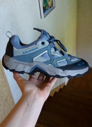 Р.38-38.5 salomon (оригинал) кожаные кроссовки.