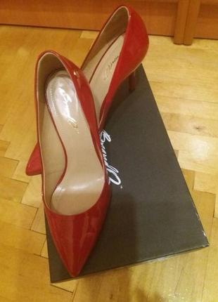 Красные лаковые туфли лодочки brando