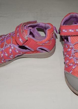 Розовые спортивные сандалии m&s с закрытым носком. размер 12/30,5.