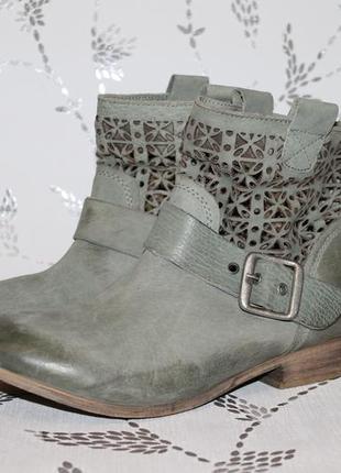 Классные кожаные ботинки с перфорацией bull boxer 39 размер 25,5 см стелька ffa95bce0b6