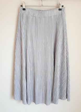 Серебристая юбка миди гофре
