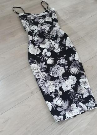 Стильное платье чулок футляр миди с цветочным принтом