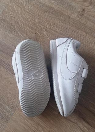 Білосніжні фірмові кросівки nike2 фото