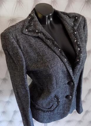 58 % шерсть, комфортный и стильный пиджак