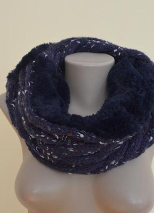 Теплый шарф хомут