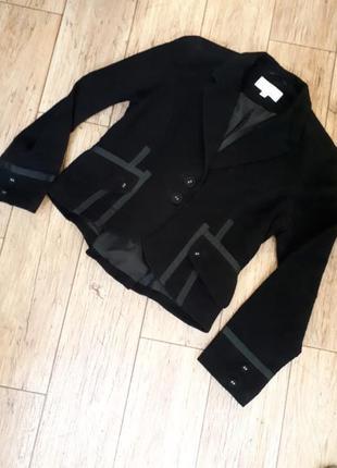 Велюровый черный жакет пиджак с лентами. черный. короткий. next. румыния