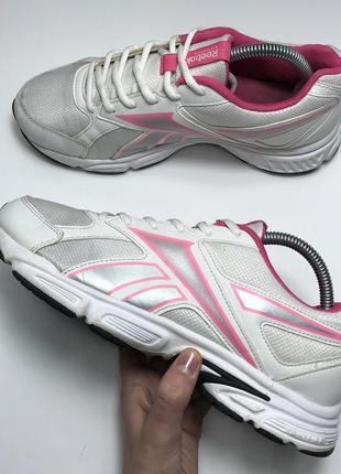 Спортивные женские кроссовки reebok running original 40 free run air