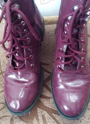 Стильные ботинки на шнуровке цвет бордо4 фото