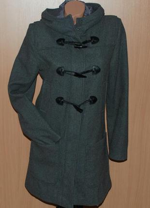 Oodji, практичное серое пальто фасона duffle coat (дафлкот)