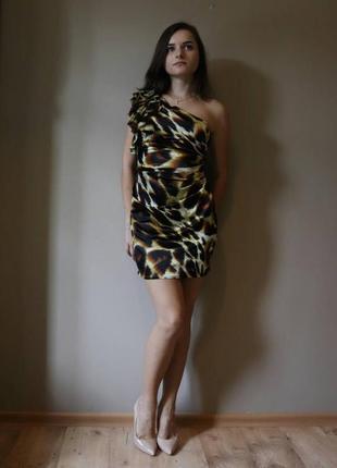 Супер нарядное платье lipsy