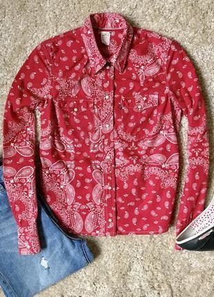 Красная рубашка в огурцы levi's