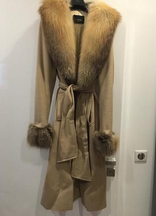 Элегантное пальто gizia