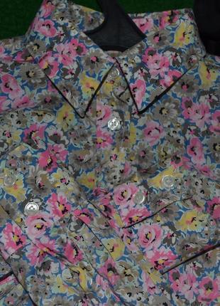 Красивая рубашка с цветочным принтом, очень нарядная