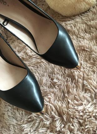 Лодочки на толстом красивом каблуке
