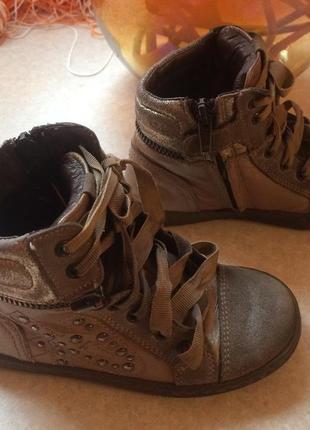 Итальянские демисезонные ботинки,кожа, отличные